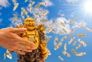Как привлечь деньги в свою жизнь: заговоры в домашних условиях